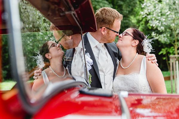 Hochzeitsfotos in Schwerin mit einem Oldtimer