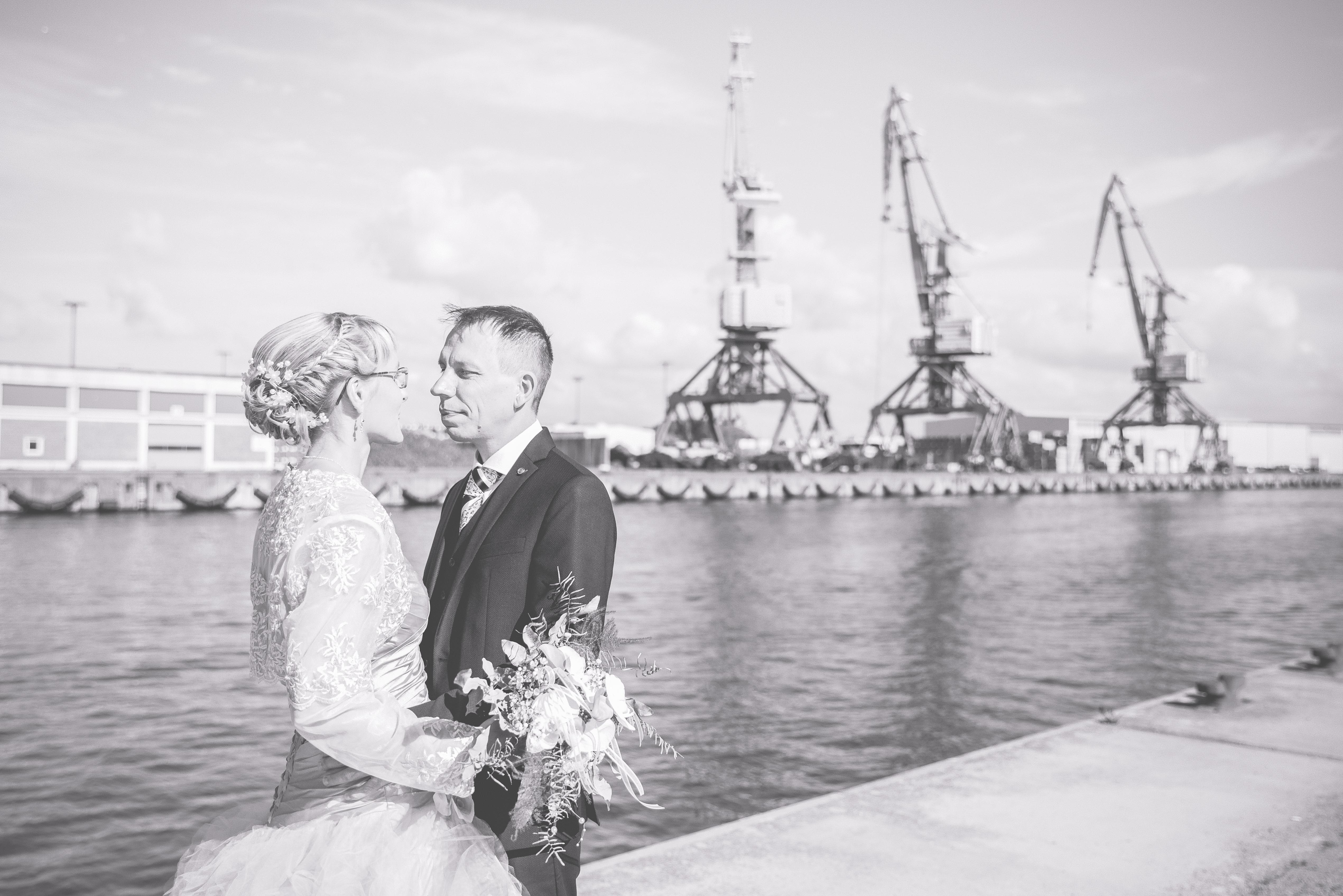 Brautpaarshooting am Hafen in Wismar