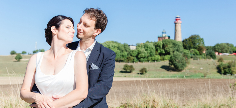 Brautpaar vor den Leuchttürmen am Kap Arkona