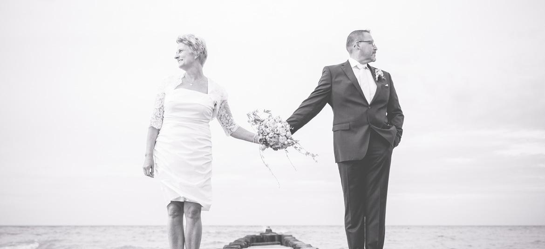 Schwarz weißes Hochzeitsfoto