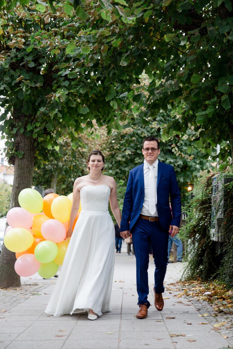 Paar mit Luftballons