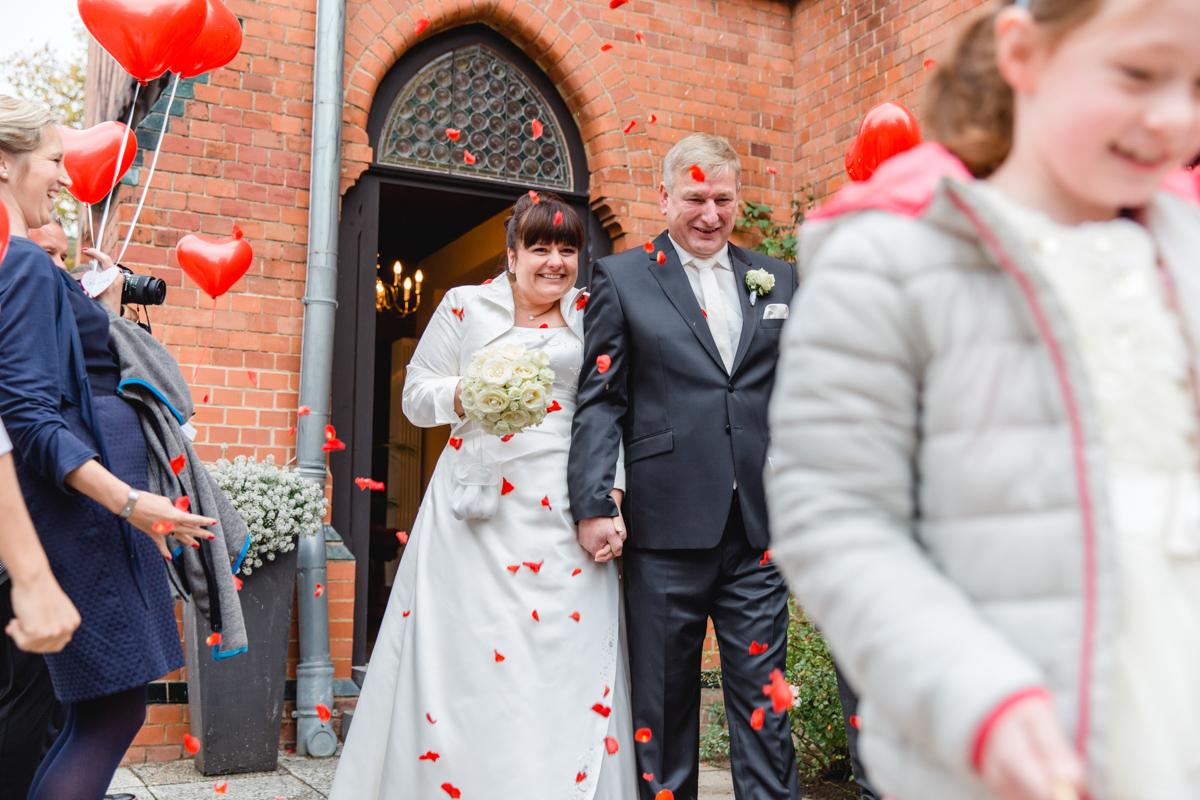 Gratuliation des Brautpaares im Möckelhaus