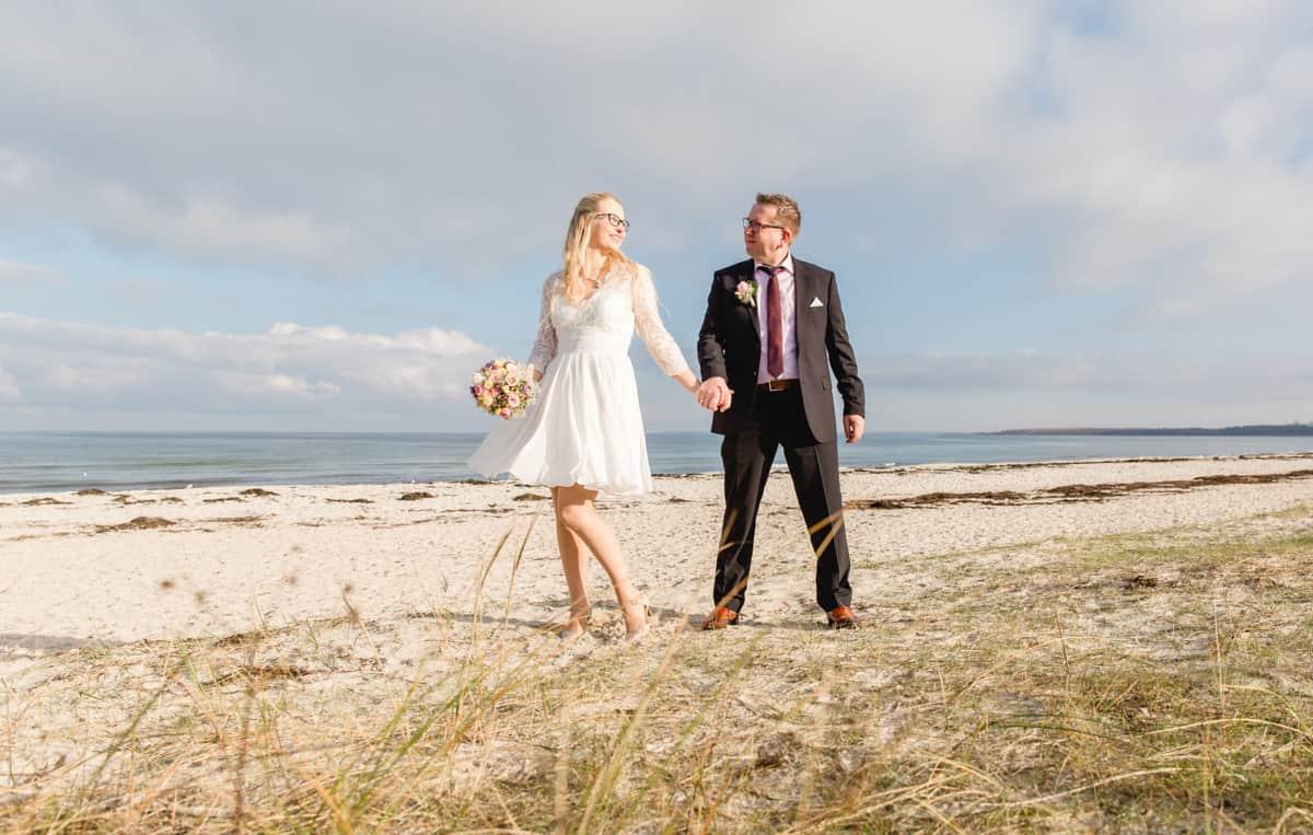 Brautpaar am Strand von Boltenhagen