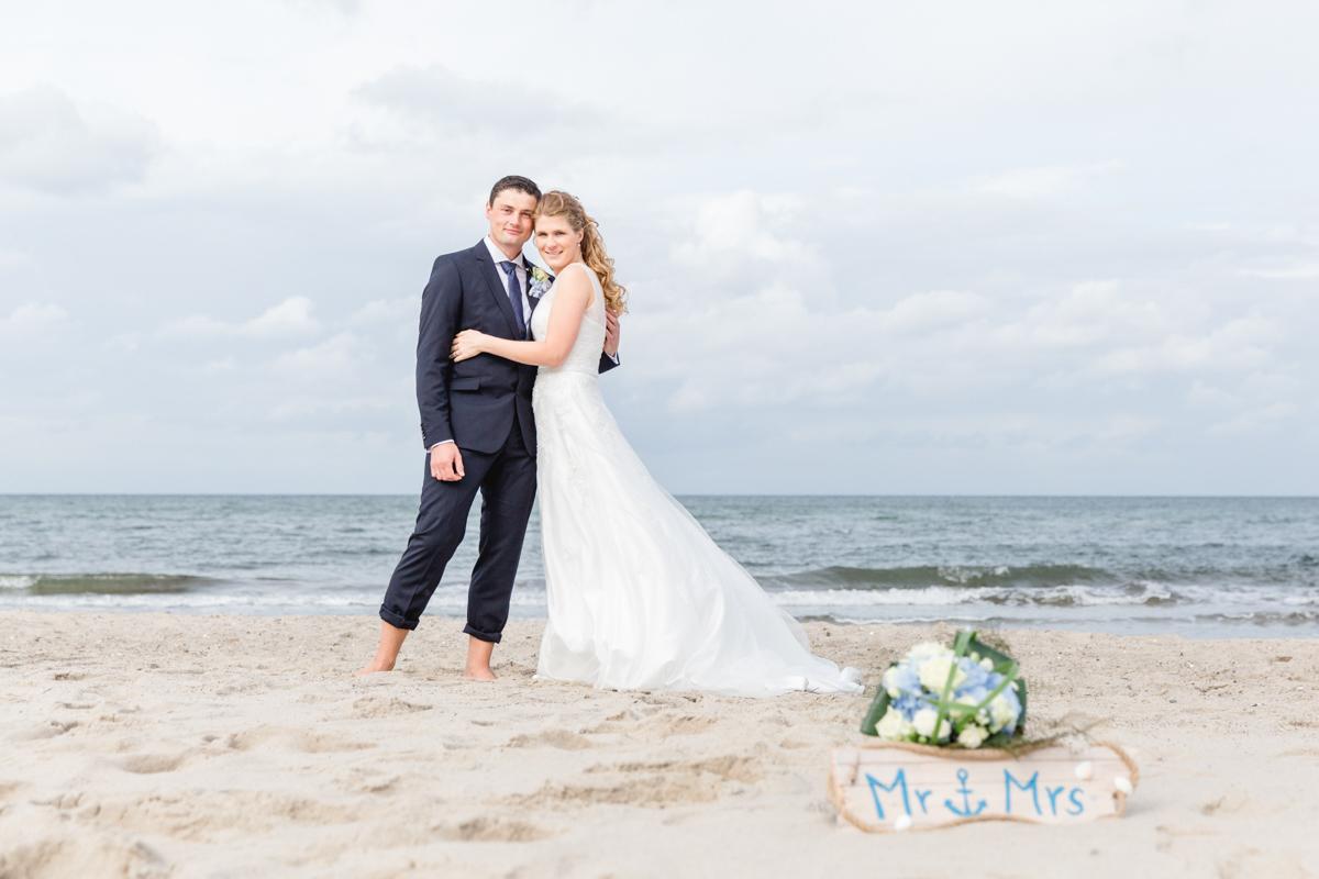 Fotoshooting mit einem Brautpaar am Strand