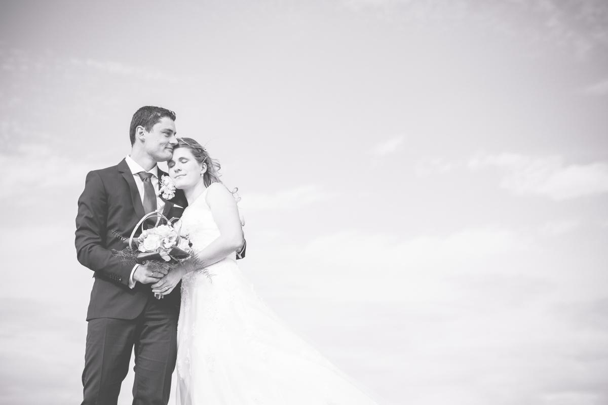 Schwarz weißes Bild mit Brautpaar
