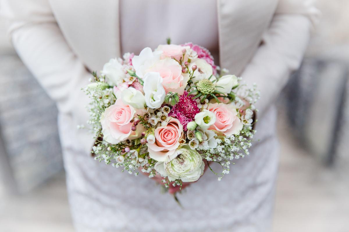 Hochzeitsfoto eines Brautstraußes.