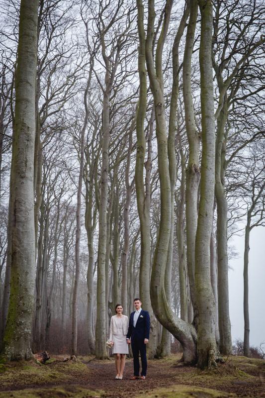 Hochzeitsfoto im Wald bei Heiligendamm.