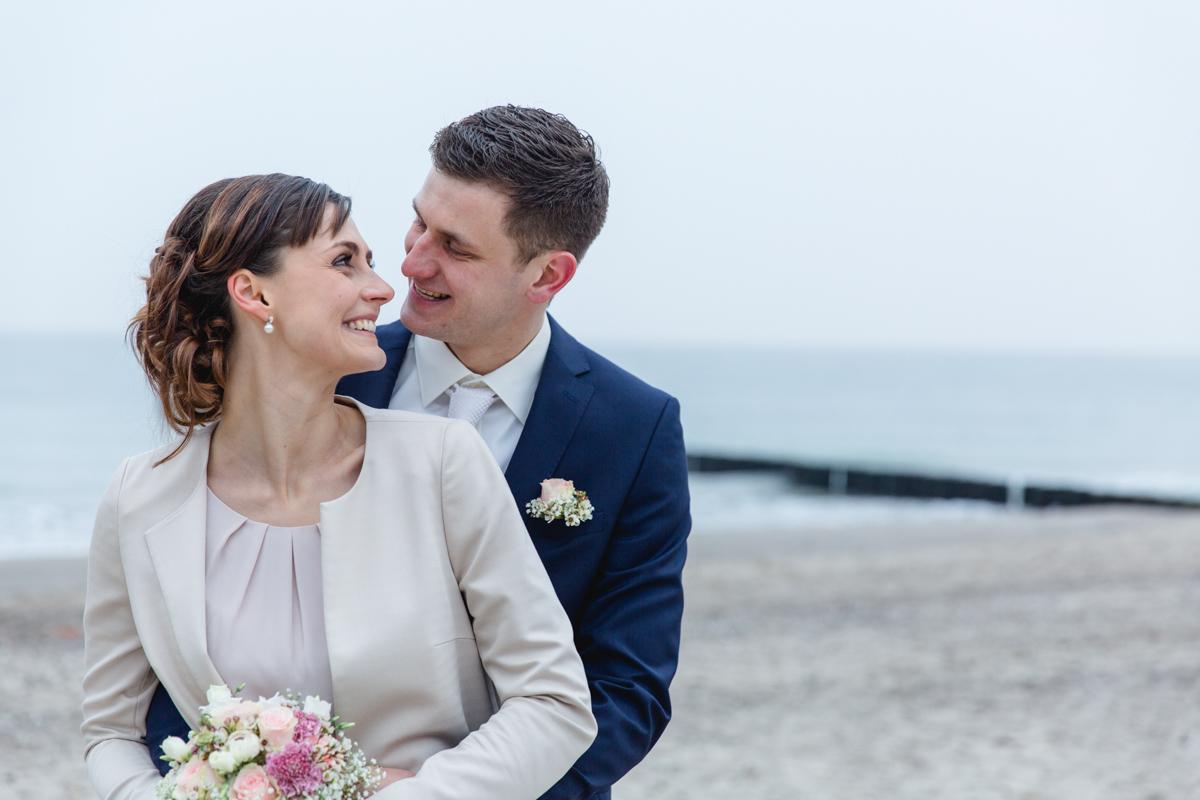 Hochzeitsfotos am Ostseestrand von Heiligendamm.