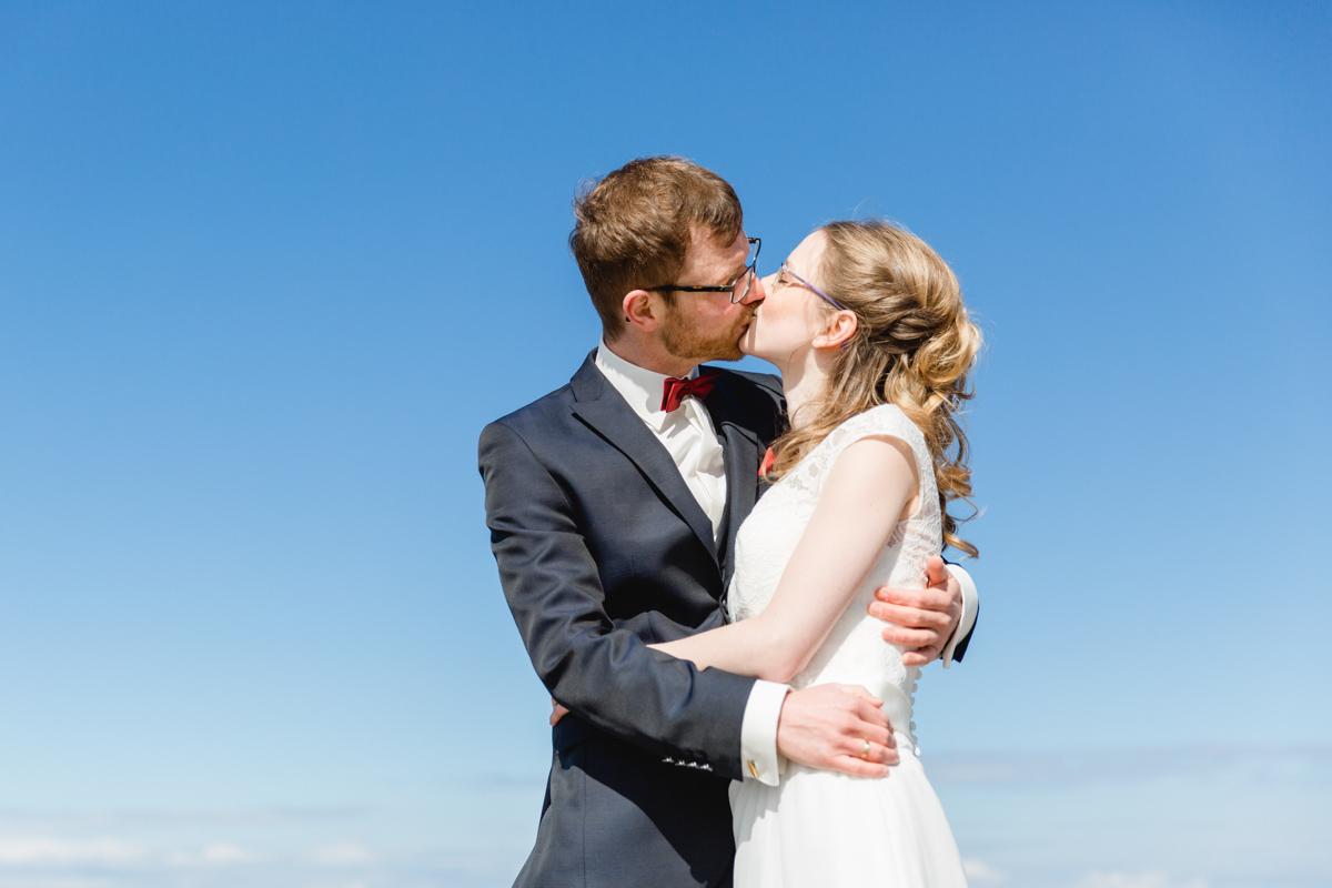 Emotionale Hochzeitsfotografie am Strand