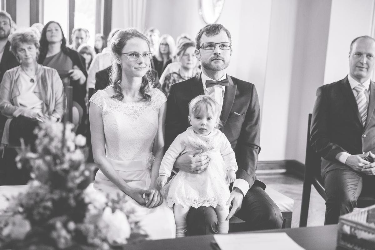 Brautpaar während der Hochzeit in Bad Doberan.