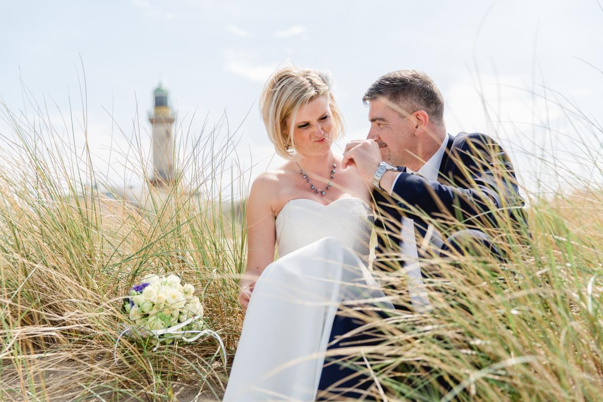 Hochzeitsfotos aufgenommen ind er Düne von Warnemünde.
