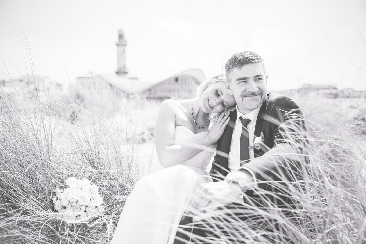 Heiraten in Warnemünde vor dem Teepott.