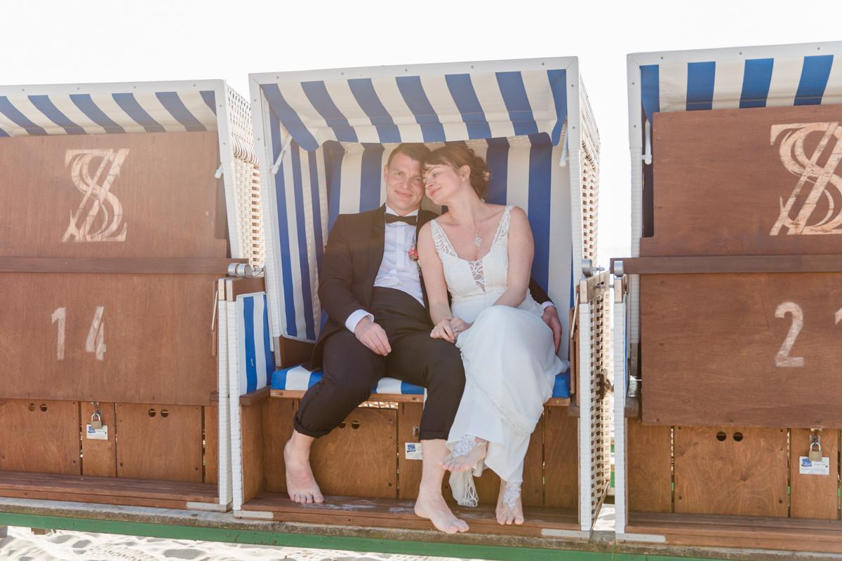 Hochzeitsfotos im Strandkorb.