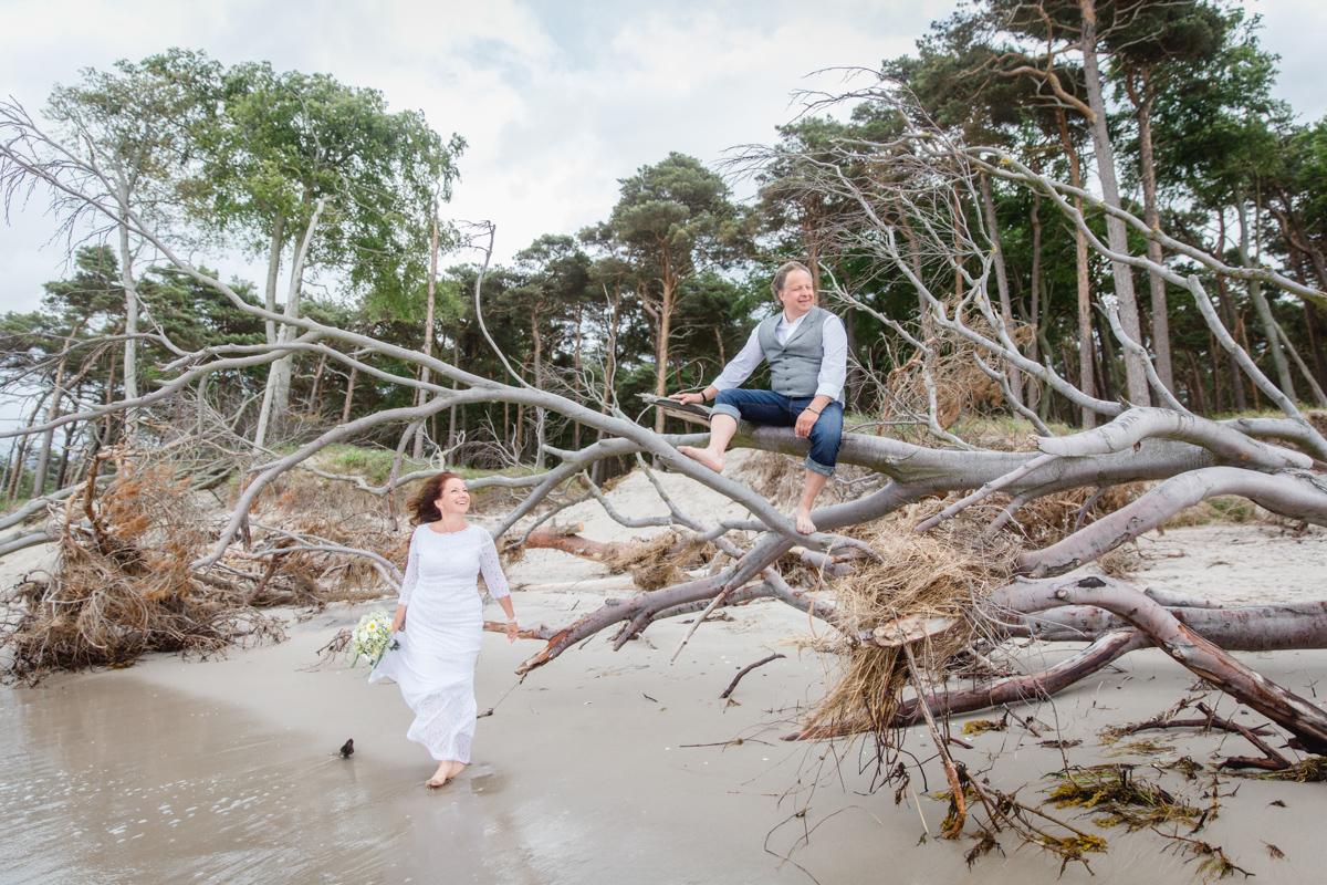 Hochzeit zu zweit am Strand.