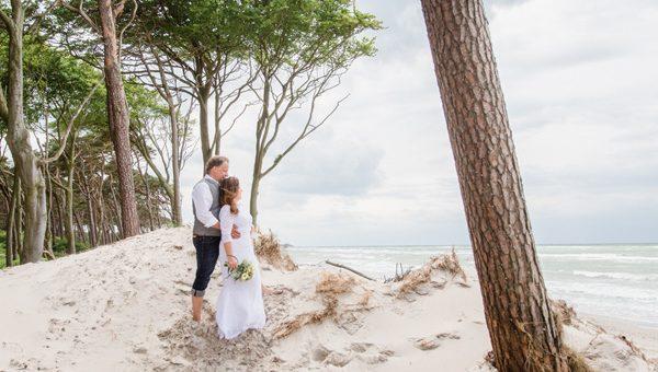 Ostsee-Elopement: Eine intime Hochzeit in Ahrenshoop