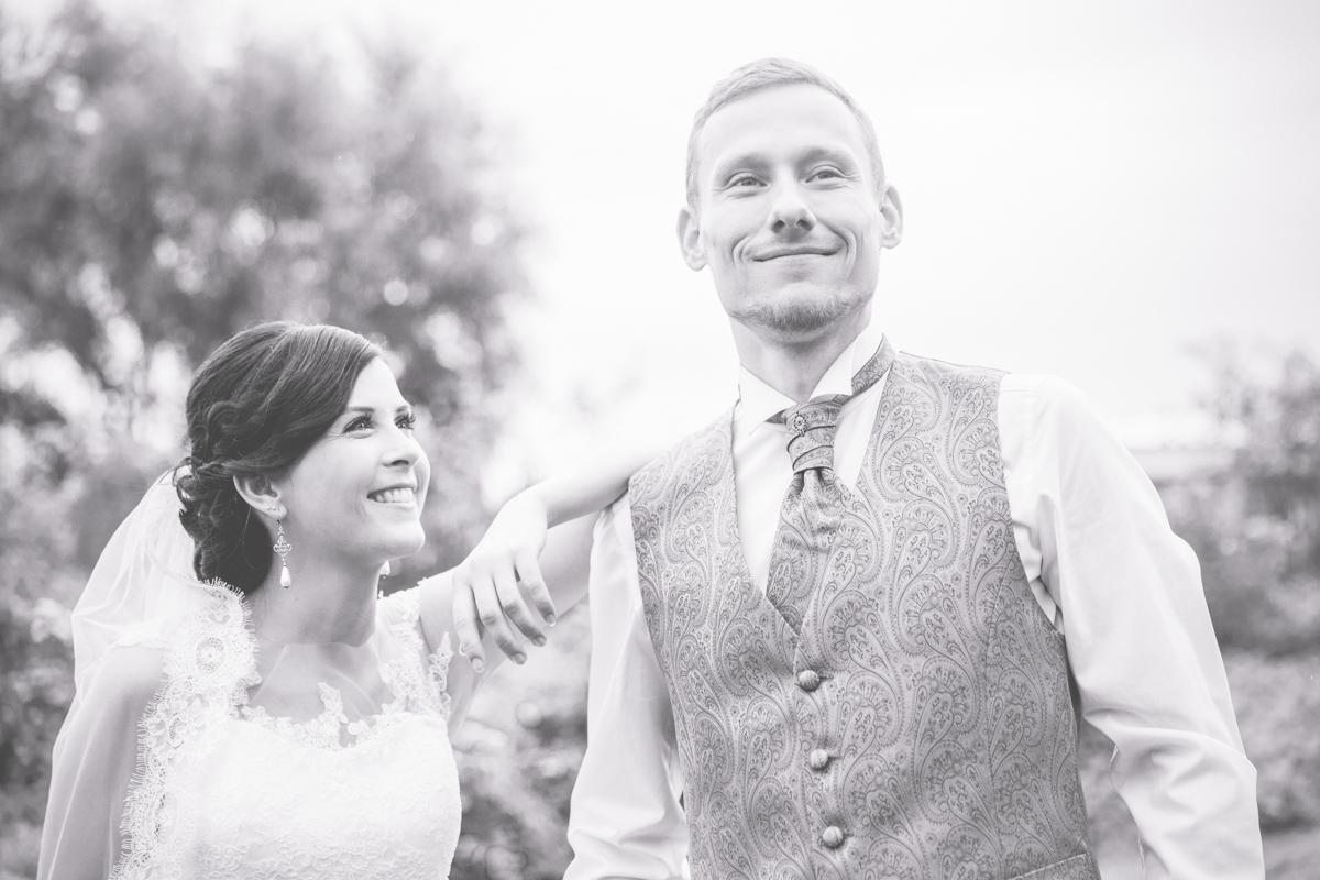 schwarz weißes Hochzeitsfoto aus Rostock.