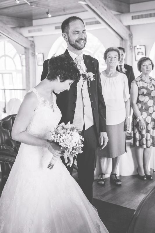 Hochzeitszeremonie in der Seebrücke Sellin