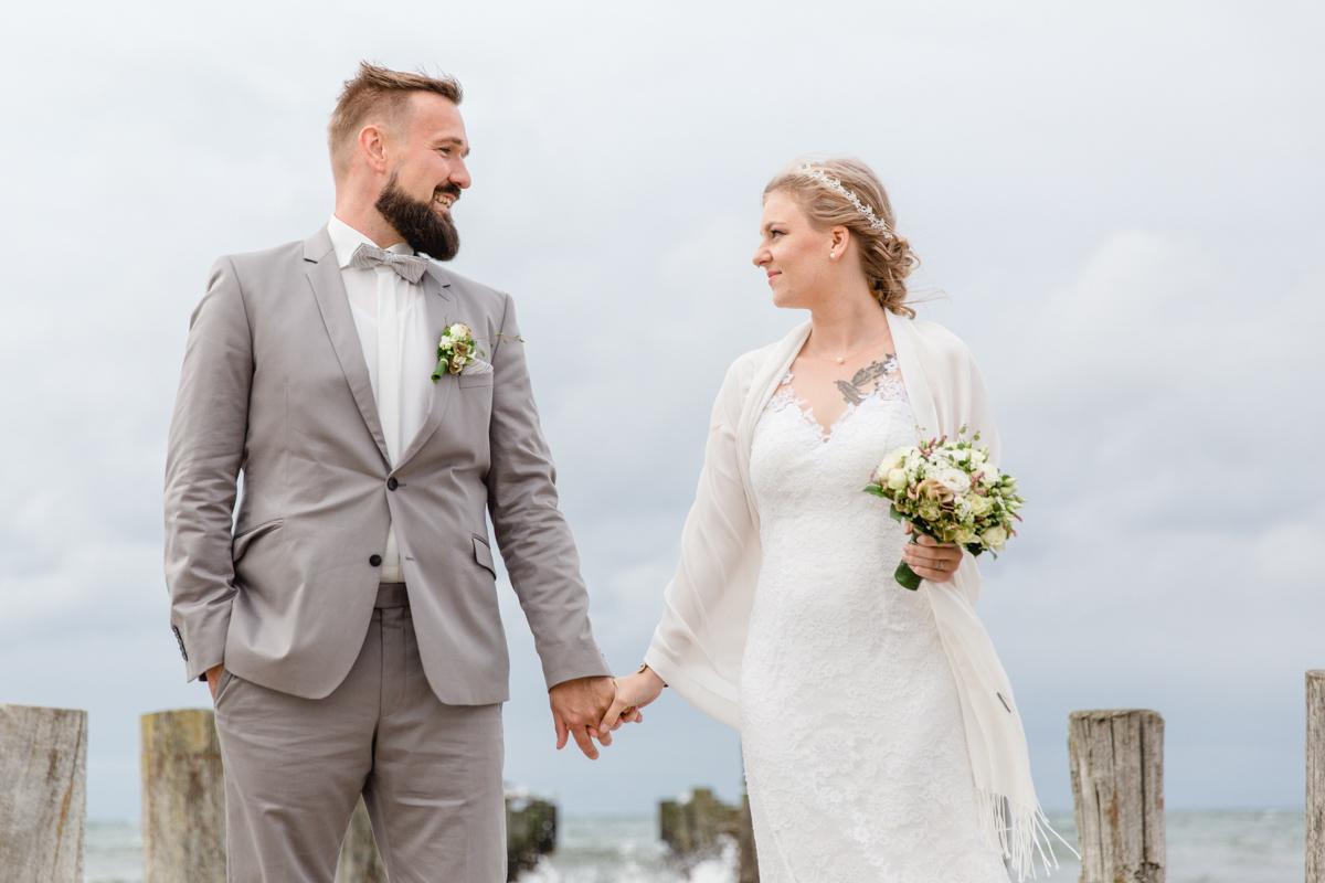 Brautpaar am Strand von Zingst