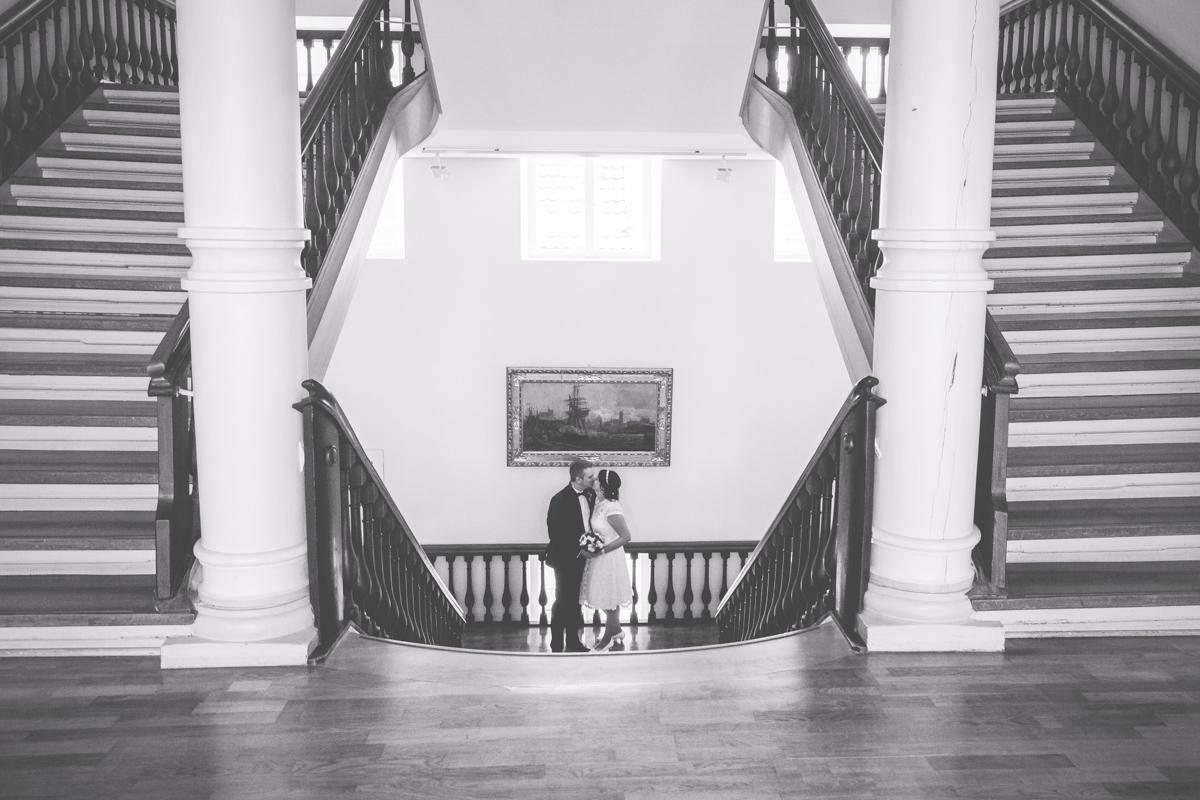 Brautpaarfotos aufgenommen im Rathaus