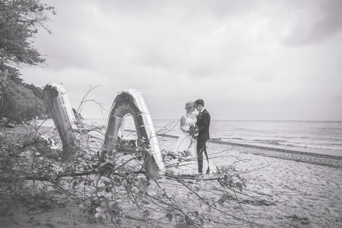 Hochzeitsfotoreportage am Strand von Rostock.