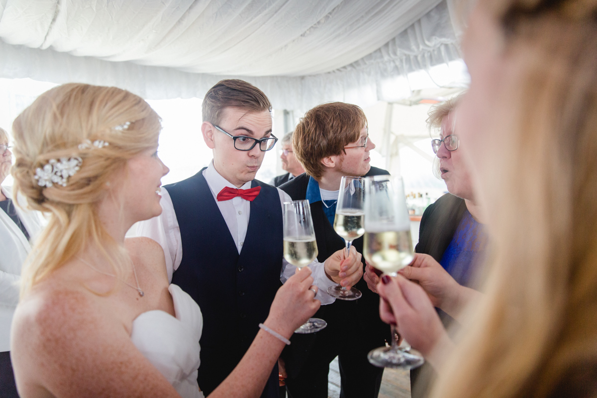 Sektempfang bei einer Hochzeit.