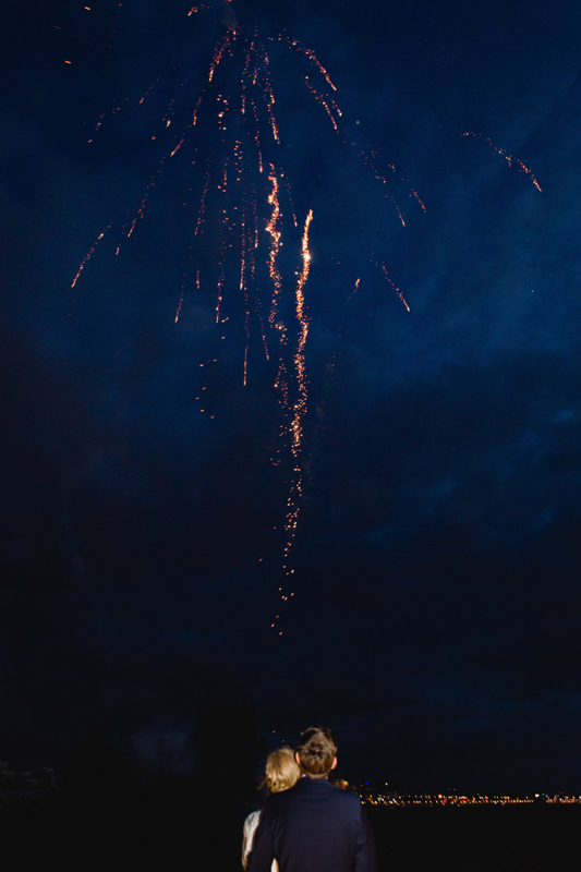 Feuerwerk am Stadthafen von Rostock.