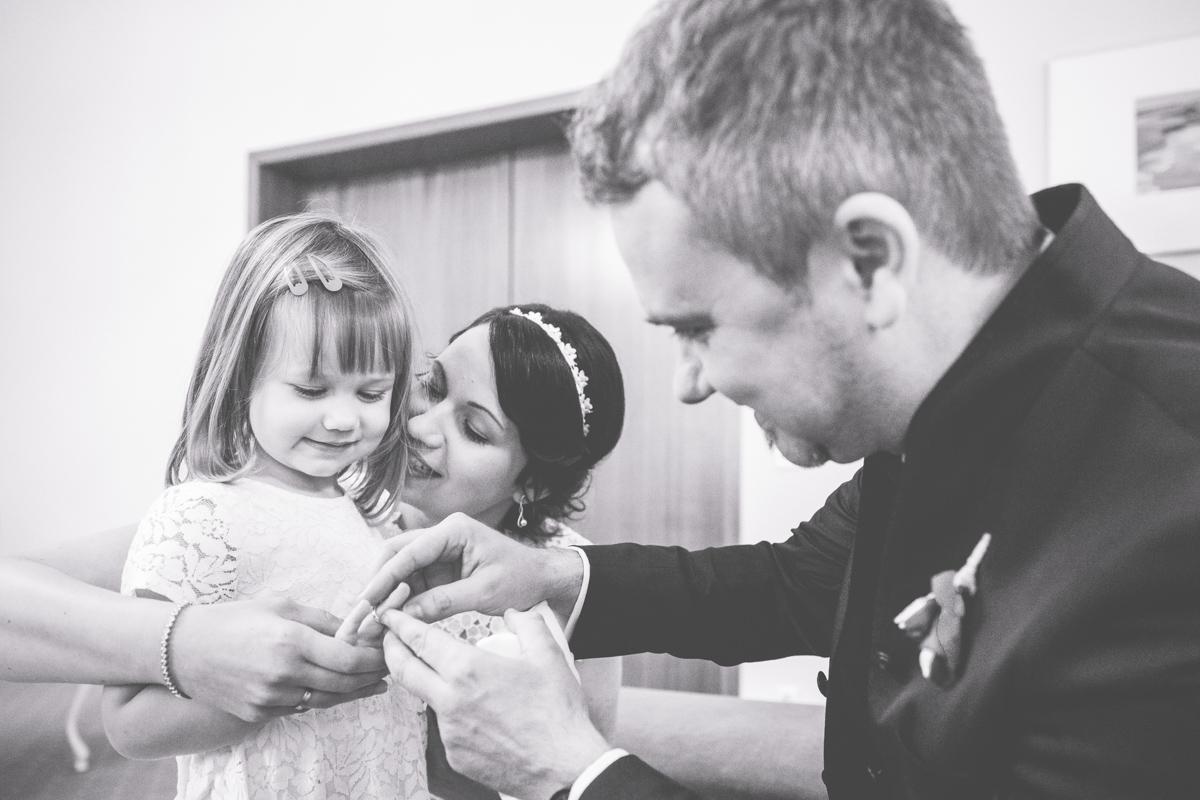 Ringwechsel mit Tochter