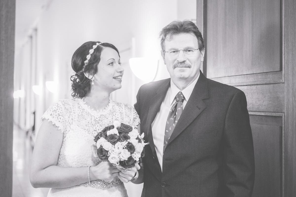 Braut mit Brauvater