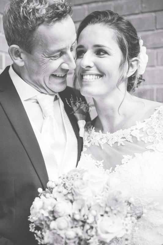 Brautpaar fotografiert von der Hochzeitsfotografin aus Rostock.