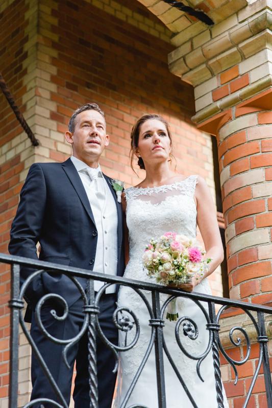 Die Hochzeitsfotografin aus Rostock begleitet Trauungen in Gelbensande.