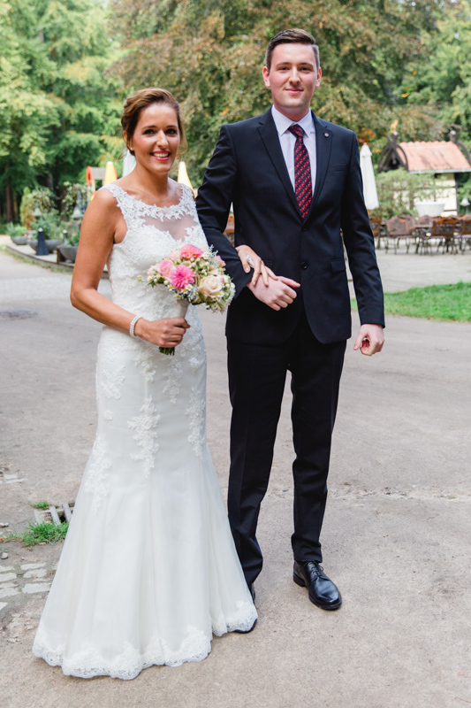 Braut vor dem Jagdschloss in Gelbensande.