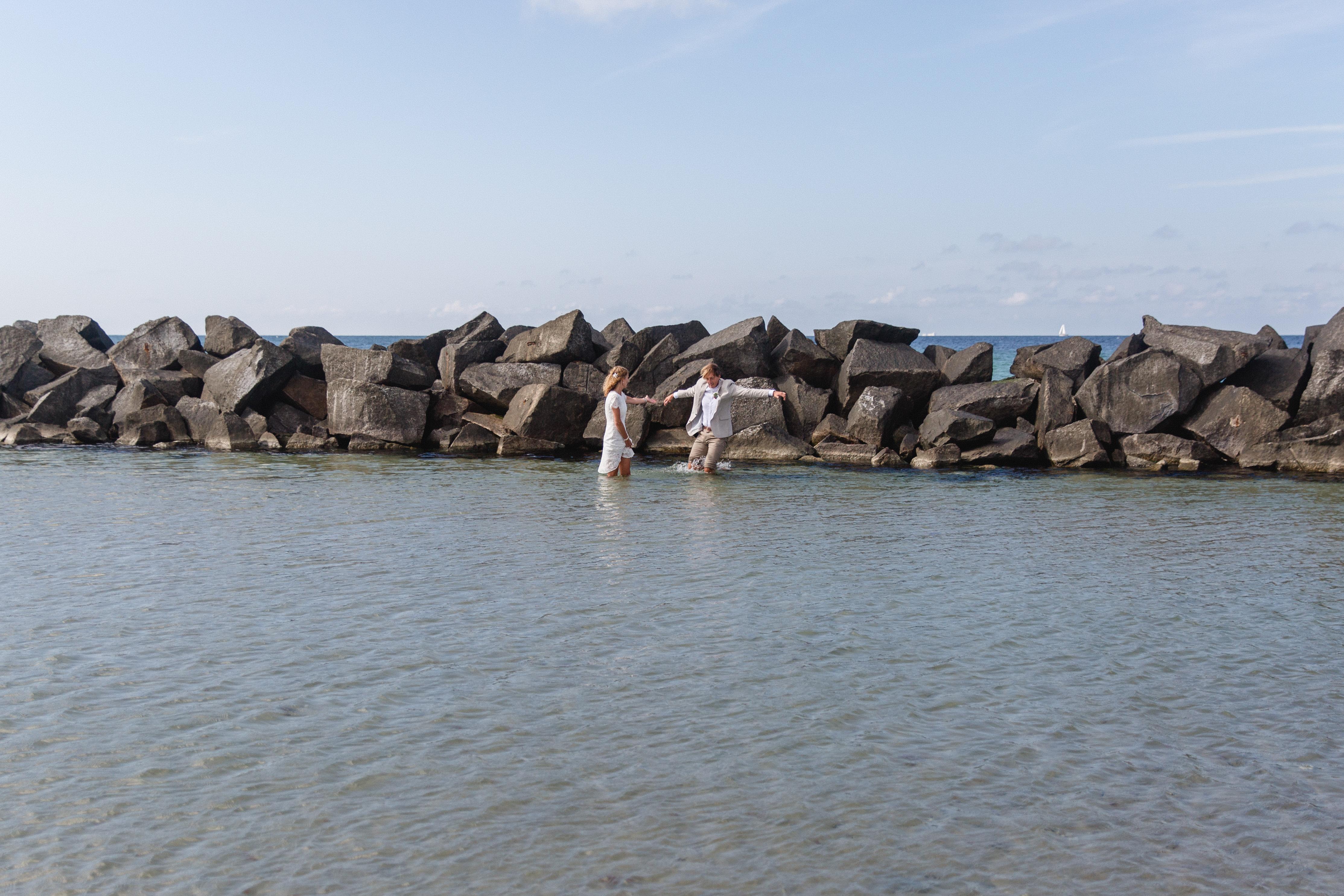 Brautpaar beim Shooting in der Ostsee.