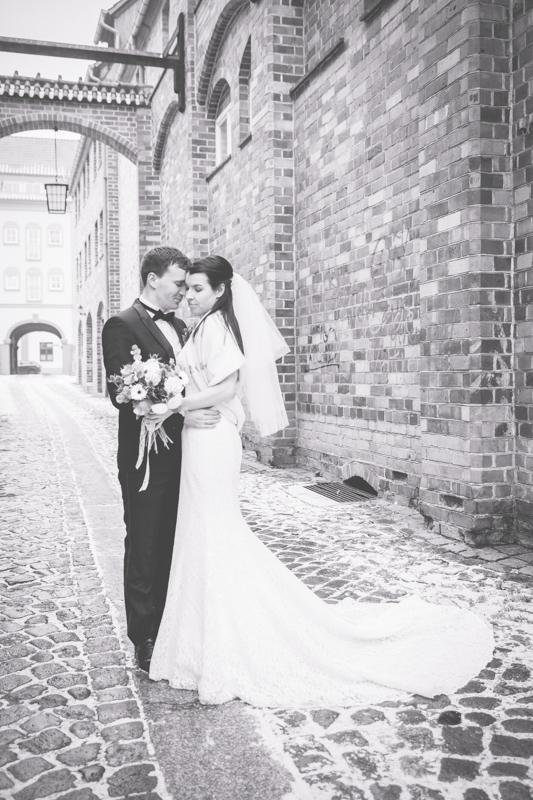 Brautpaarfotoshooting in der Altstadt von Stralsund.