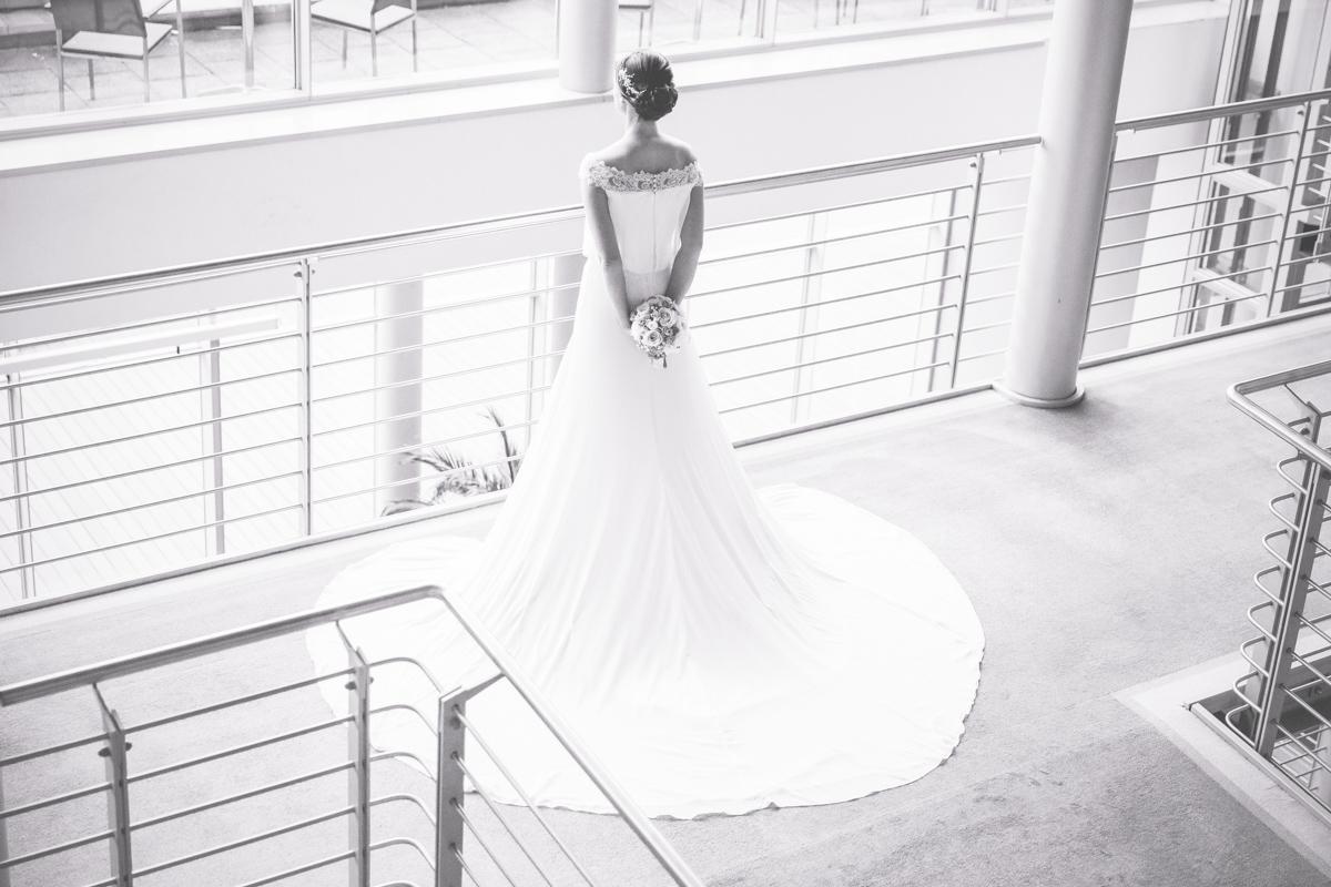 Brautfoto in schwarz weiß.