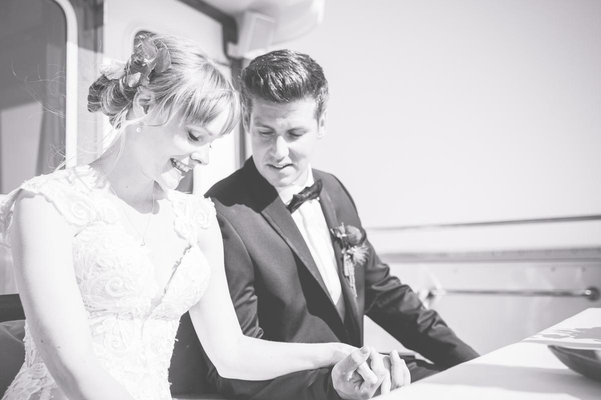 Brautpaar bei der freien Trauung in Stralsund.