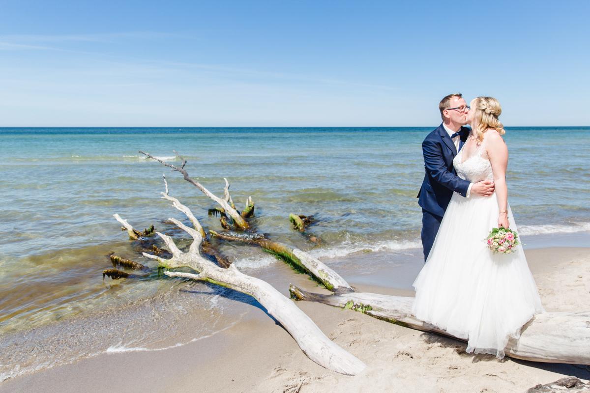 Mit dem Brautpaar zum Fotoshooting an den Weststrand.