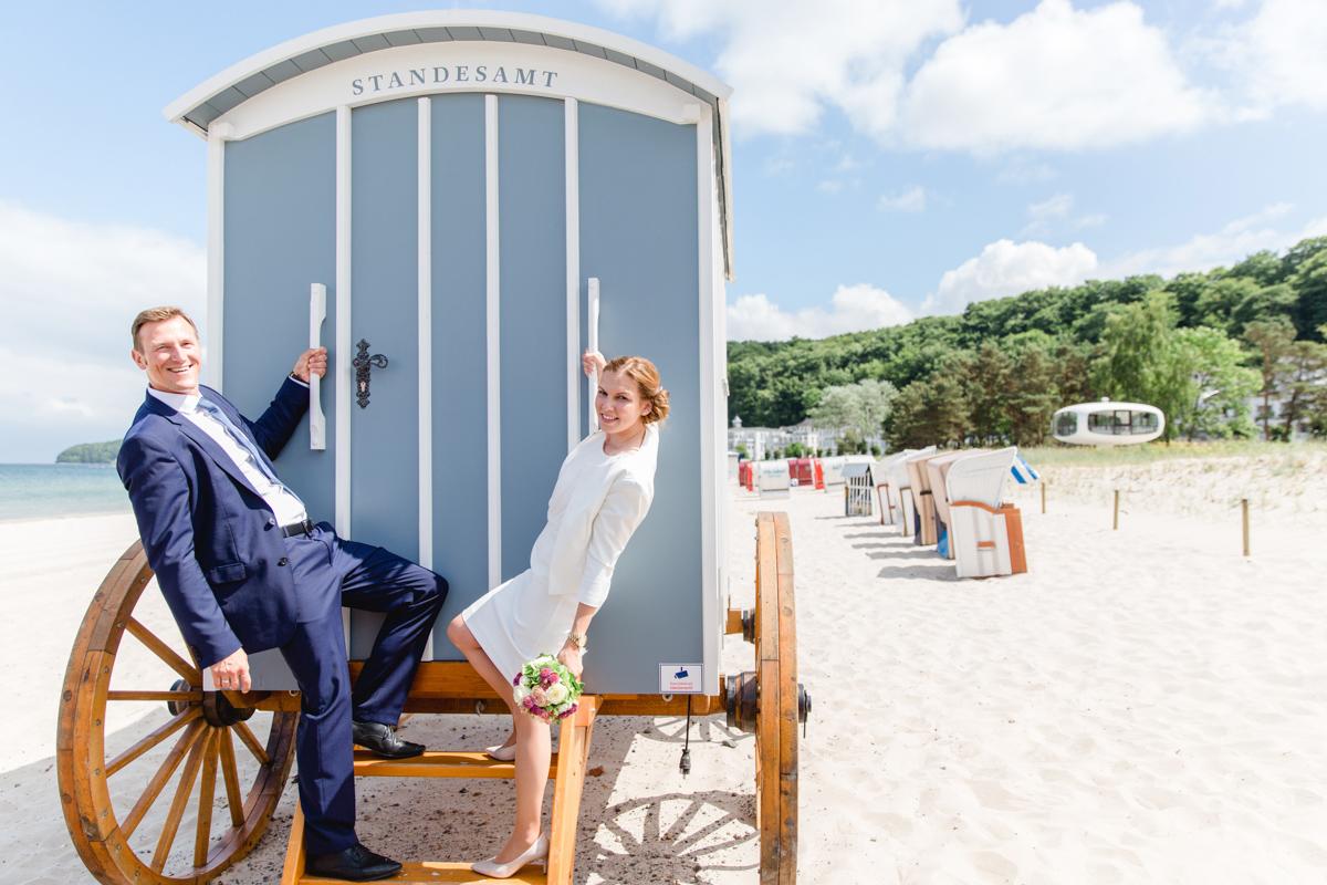Heiraten im Badekarren auf der Insel Rügen.