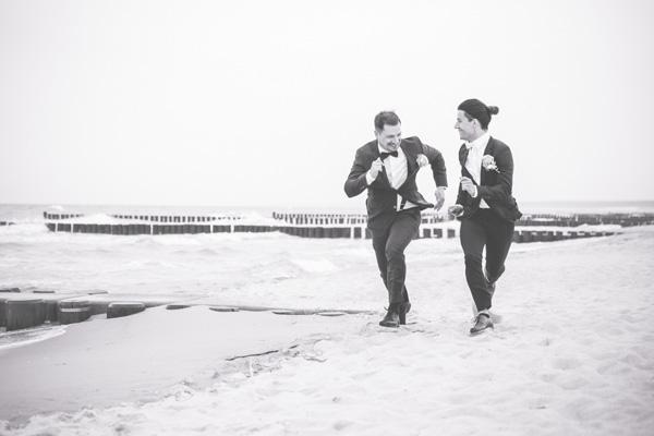 Die Liebe zweiter Männer fotografiert in Ahrenshoop.