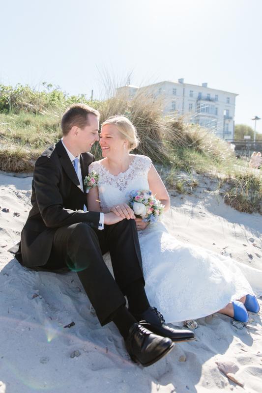 Brautpaarfotoshooting am Strand von heiligendamm.