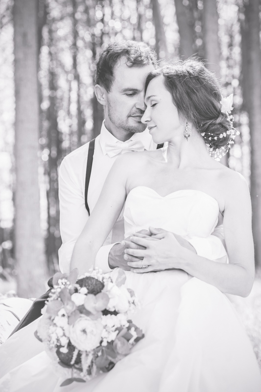 Schwarz weißes Hochzeitsfoto.