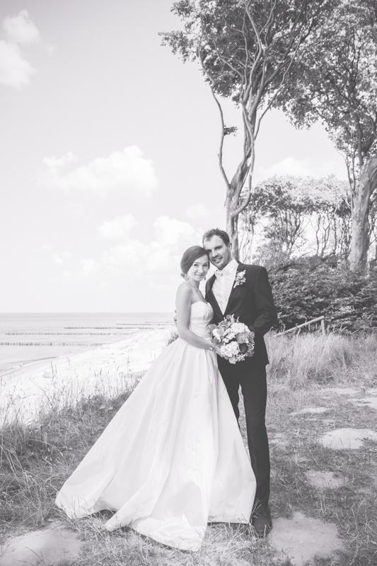 Brautpaarfotoshooting am Strand.