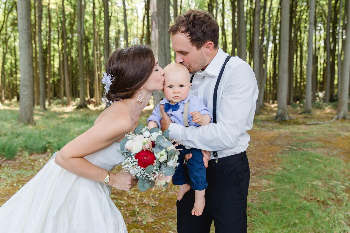Familienfotoshooting zur Hochzeit.