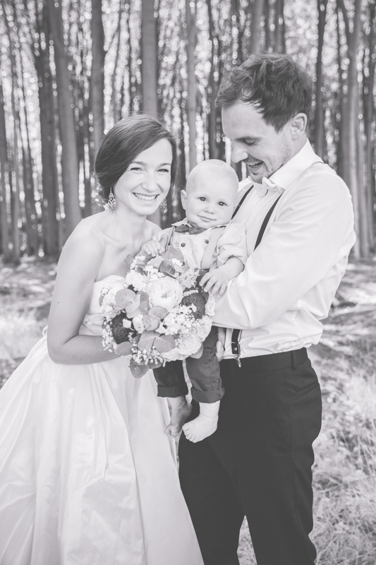 Hochzeitsfotoshooting mit Kind.