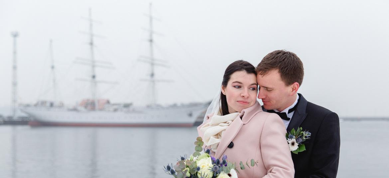 Hochzeitsfoto mit der Gorch Fock.
