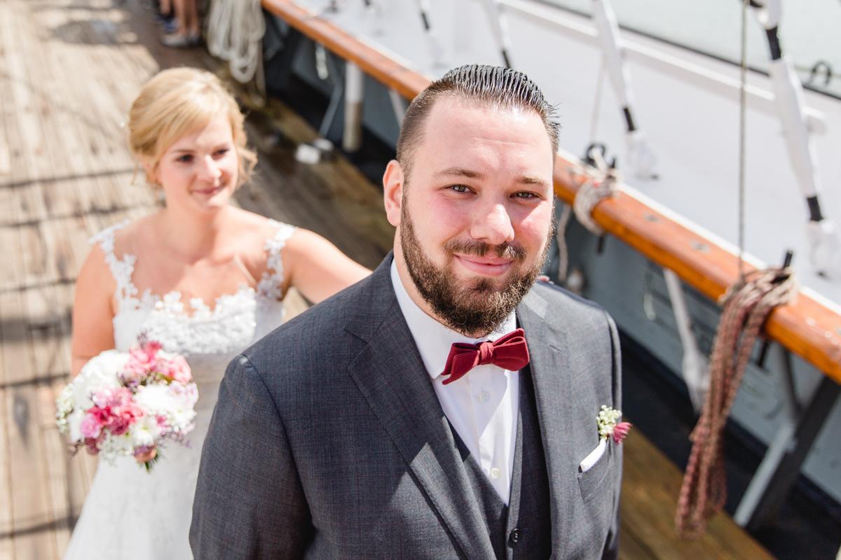First Look des Brautpaares auf der Gorch Fock.