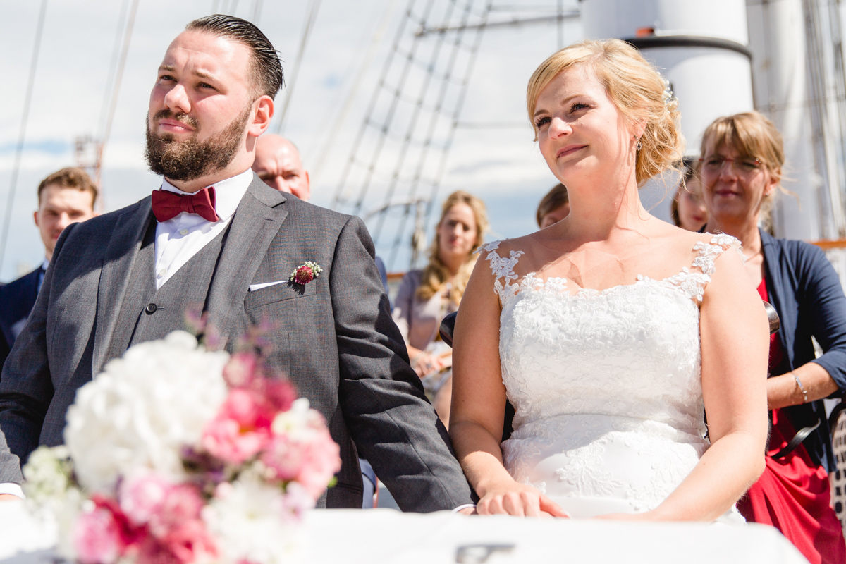 Eheschließung auf der Gorch Fock in Stralsund.