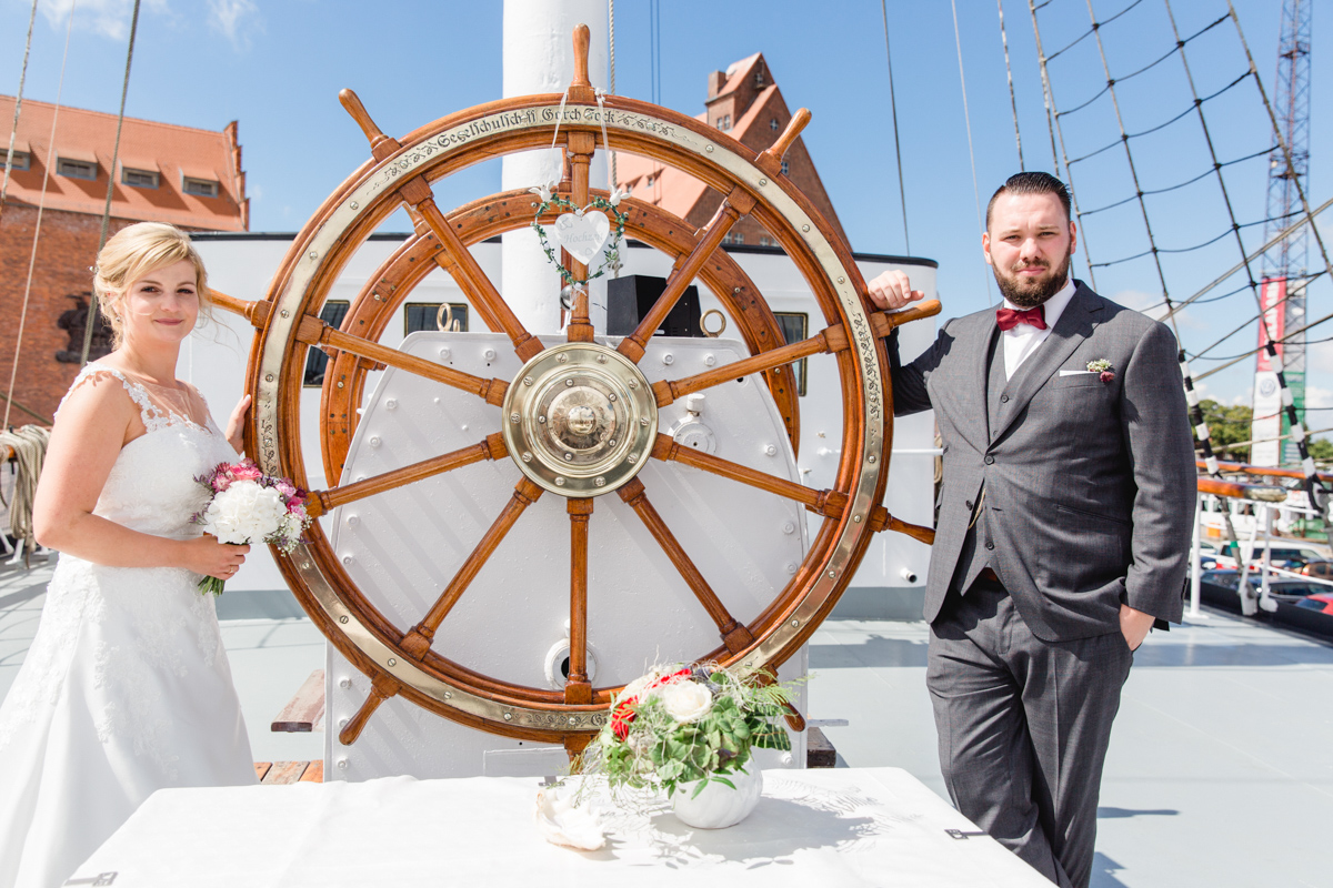 Heiraten auf der Gorch Fock in Stralsund.