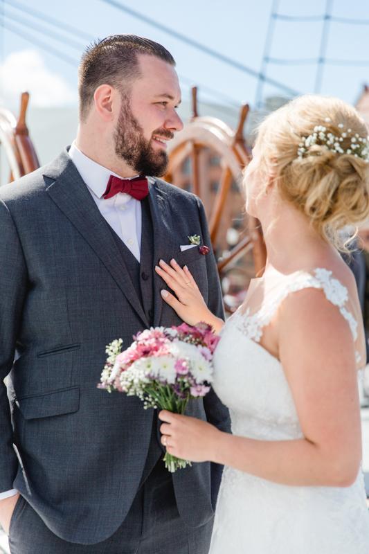 Brautpaar nach der Trauung in Stralsund.
