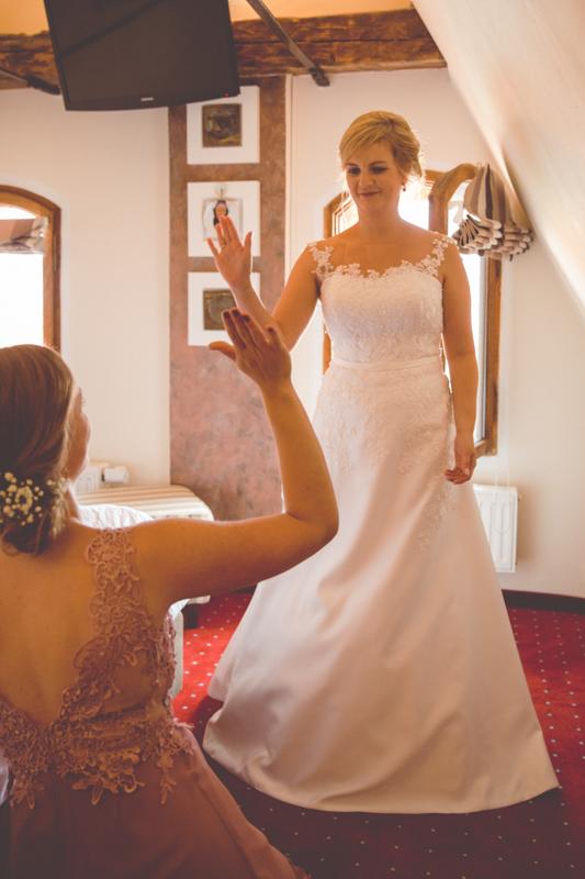 Gettign Ready der Braut im Stralsunder Scheelehof.