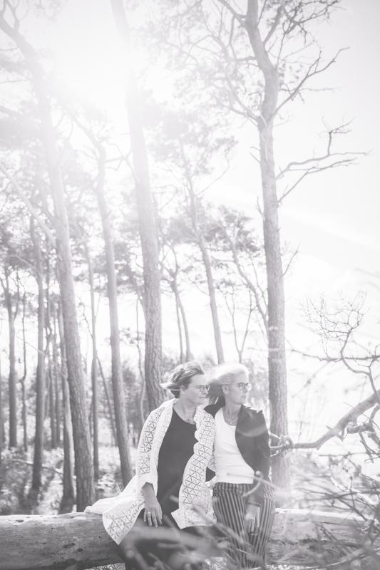 Die Liebe zweier Frauen hat die Hochzeitsfotografin festgehalten.